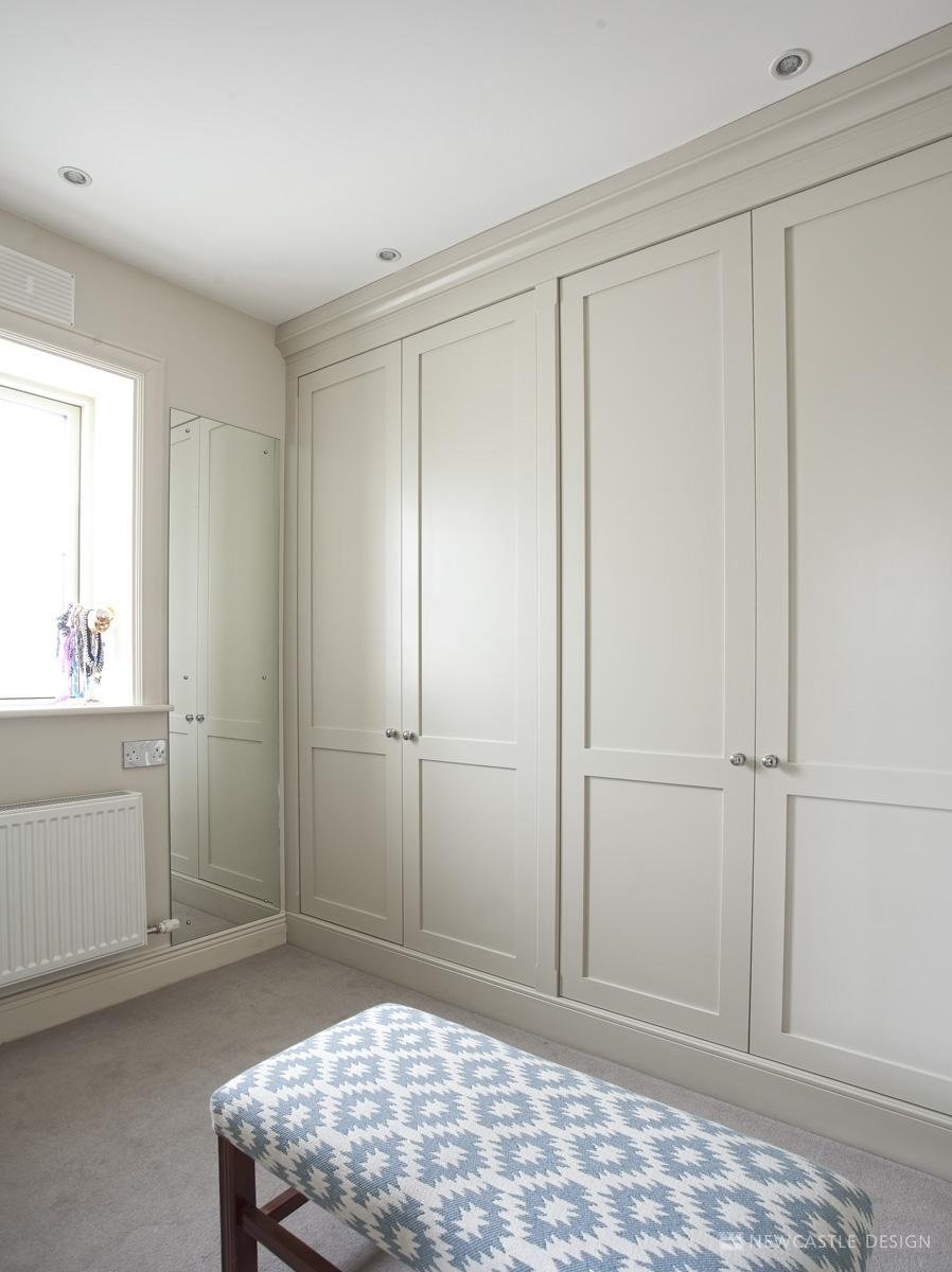 Fitted wardrobes bedroom furniture dublin ireland for Bedroom built in wardrobe designs