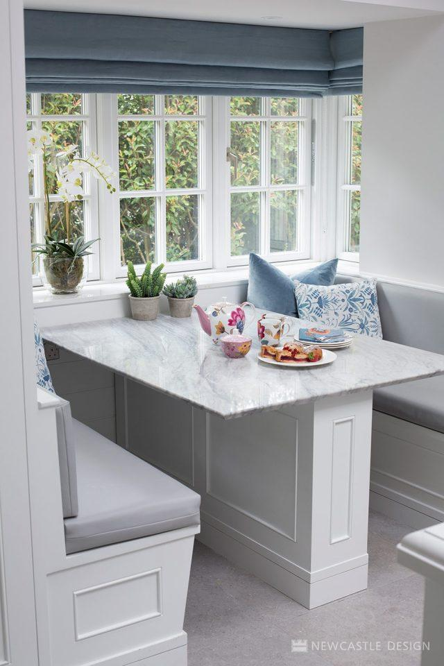 bay window banquette seating